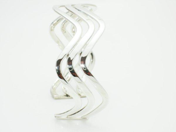 Silver Wave Pattern 1